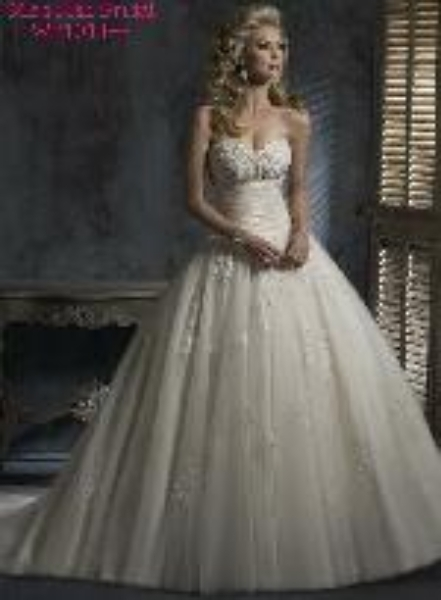 Wedding dresses in Hemet